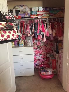 Girls Closet Organization, Baby Nursery Organization, Organization Ideas, Baby Life Hacks, Cute Black Babies, Baby Necessities, Baby Time, Baby Decor, New Baby Products