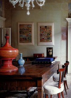 Studio Peregalli - eclectic handsome dining room with #Chinoiserie accents.