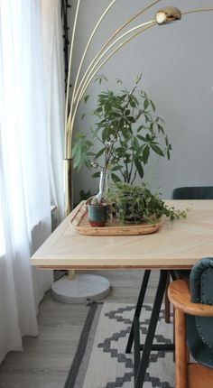 Chevron DIY table by Daughters of Tobias www.daughtersofto...