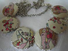 Pferde Kette Karussellpferd  von Happy Lilly auf DaWanda.com
