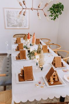 A little guide on how to host a simple gingerbread pary for kids this holiday season! It doesn't take much to create this pretty and fun party for yourself. Gingerbread House Parties, Christmas Gingerbread House, Gingerbread Houses, Merry Little Christmas, Cozy Christmas, Christmas Ideas, Christmas Activities, Christmas Traditions, Jolly Holiday