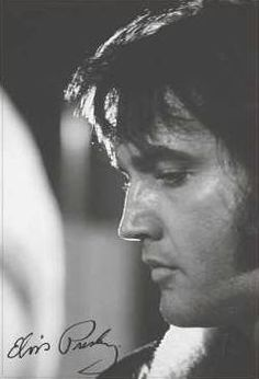 This is an awesome pic of Elvis