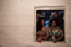 """Em homenagem aos 296 anos da capital mato-grossense, a poetisa Luciene Carvalho e o rapper Linha Dura encenam""""Cuiabá, Versos e Tribos"""" nos palcos do Sesc Arsenal, nesta quarta-feira, dia 8, às 20h. A entrada é Catraca Livre. Com direção de Raul Lázaro, o projeto mistura manifestações culturais tradicionais e contemporâneas, como rap e siriri, o...<br /><a class=""""more-link""""…"""