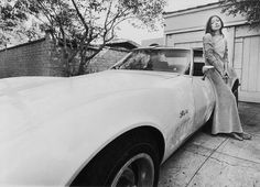 Taking our intellectual dream girl Joan Didion's iconic packing list from 1979 to 2014: sanguine skirts, mohair, bourbon, and all.