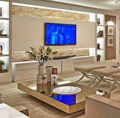 Os móveis espelhados já são tendência no mercado nacional e internacional e podem combinar perfeitamente com qualquer ambiente da sua casa.