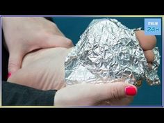 We all have a roll of aluminum foil somewhere in our kitchen drawers or cabinets, but we never think to use it on our body! Instead of whipping out the foil for just cooking, trying Hacks, Just Cooking, Olay, Our Body, Remedies, How Are You Feeling, The Incredibles, Kitchen Drawers, Biscotti