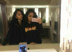 Siangie twins+Malu trevejo=latino