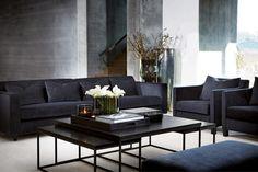 Slettvoll Austin dyp blå - vår nye sofa