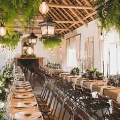 Vondeling, a Wedding Venue in Paarl, is situated on the slopes of the Paardeberg mountain & offers minimalistic elegance with a touch of Cape country style.