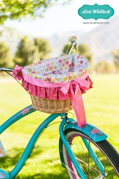 I want to put my creative sewing energy into making this darling bicycle basket liner for this summer whether its for me my children or grandchildren! Beach Cruiser Bikes, Cruiser Bicycle, Beach Cruisers, Bicycle Basket, Bike Baskets, Pink Bike, Bike Photography, Basket Liners, Summer Quilts