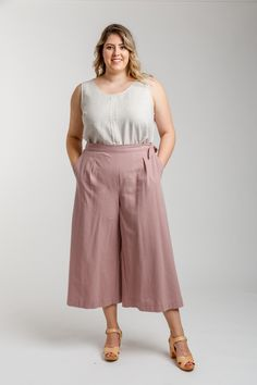 Flint Curve pants and shorts - Megan Nielsen Plus Size Sewing Patterns, Wide Leg Cropped Pants, Plus Size Pants, Couture, Pants Pattern, Sewing Tutorials, Sewing Projects, Patterned Shorts, How To Wear