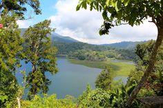 Beautiful view over lakes Danau Buyan und Tamblingan (Bali)   Sonne & Wolken