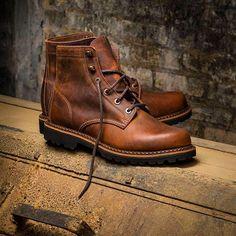 walletsandwhiskey: Wolverine 1000 Mile Duvall Boots.