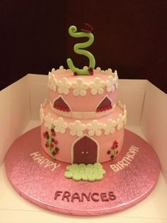 Birthday Cake Photos - fairy castle inspiration from bella cupcakes