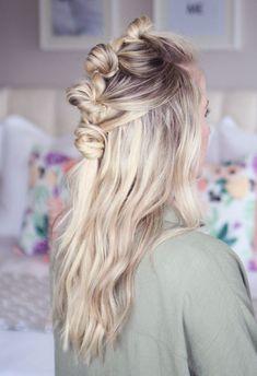Froid mais élégant, le blond cendré c'est la couleur chic qui sied parfaitement aux beautés nordiques à la peau claire et aux yeux bleus. Zoom sur une coloration très tendance en 2017