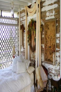 I love this Shabby chic sleeping porch! Cottage Comfort - Shabby Chic Decorating Ideas for Porches and Gardens on HGTV Shabby Chic Outdoor Decor, Shabby Chic Veranda, Baños Shabby Chic, Cocina Shabby Chic, Estilo Shabby Chic, Shabby Chic Living Room, Shabby Chic Kitchen, Shabby Chic Furniture, Distressed Furniture