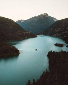 3,366 отметок «Нравится», 7 комментариев — OUTDOORS🌿 | TRAVEL EXPERIENCE🏔 (@outdoorstodolist) в Instagram: «These places soothes my soul? 😳🤔 #EarthToDoList (📷:@lostintheforrest)»
