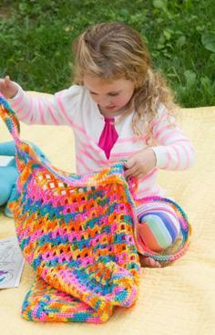 Tote for Toys Free Crochet Pattern from Red Heart Yarns