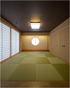 K5-house 和室 Traditional Japanese House, Japanese Modern, Traditional Interior, Japanese Design, Japanese Furniture, Japanese Interior, Japanese Taste, Plain Wallpaper, Japanese Architecture