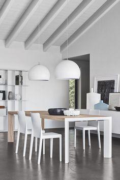 Der Tisch LAM Ist Modern Und Schlicht, Doch Mit Besonderen Details. Er  Verbindet Holz Und Metall In Einer Harmonischen Weise. So Wird Ein  Faszinierendes ...