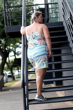 Macaquinho plus size Julia Plus: perfeito para o verão! | Grandes Mulheres