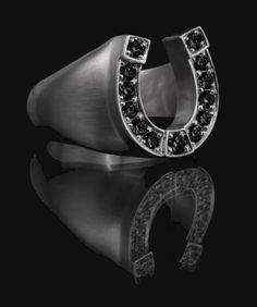 Entrance to Heaven, Horseshoe#2 Ring, White Gold #entrancetoheaven #etoh #ring #accessoires #jewellery  #statement  #itpiece #musthave #fashion #diamonds #horseshoe #whitegold http://www.entrance-to-heaven.com/#products/horseshoe2WG