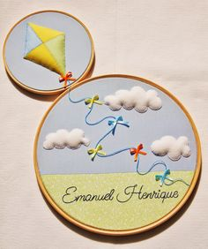 New Ideas baby diy mobile embroidery hoops Diy Mobile Embroidery Hoop, Diy Embroidery Shirt, Embroidery Hoop Crafts, Hand Embroidery Designs, Embroidery Art, Baby Crafts, Felt Crafts, Baby Mobile, Felt Decorations