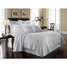 King Charles Matelasse Ivory Bedding - Best Sales and Prices Online! Home Decorating Company has King Charles Matelasse Ivory Bedding Ivory Bedding, Coverlet Bedding, White Bedding, Comforter Sets, Comforters Bed, Brown Bedding, Vintage Bedding, Comforter Cover, Bedroom Furniture