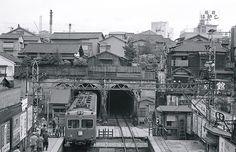 Old Photos, Vintage Photos, Japan Train, Commuter Train, Railroad Pictures, Tokyo Olympics, Train Art, Nostalgia, Scenery