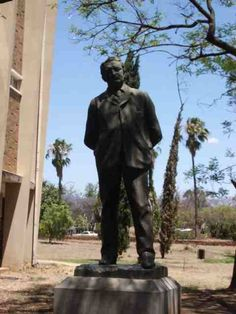 Statue of Cecil John Rhodes at Bulawayo Museum