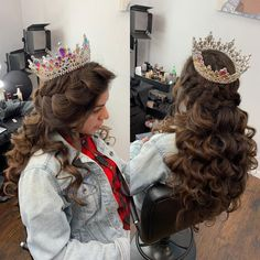 CREDIT: Here are some of the top quinceañera hairstyles or Wedding Hairstyles that will look amazing at your or Check out more on our planning guide! Sweet 16 Hairstyles, Quince Hairstyles, Indian Wedding Hairstyles, Braided Hairstyles Updo, Popular Hairstyles, Celebrity Hairstyles, Hairstyle Ideas, Hair Ideas, Indie Scene Hair