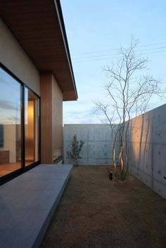 池田の家 | 株式会社SYNC Terrazzo, My House, Living Spaces, Sweet Home, Exterior, House Design, Windows, Interior Design, Architecture