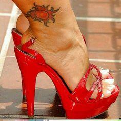 #sexyfeet #feetporn #feetfetish #shoesporn #highheels #feetjob #sexyfeet #feetporn #sexywoma #shoes #solesfetish #highheelshoes #shoesjob