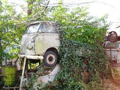 VW Single Cab Pick-up not looking very good.