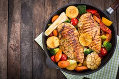 Slim in sleep Recipes for dinner - Healthy Eat Cooking For Beginners, Cooking Tips, Cooking The Perfect Steak, Weight Loss Meals, Healthy Chicken Recipes, Different Recipes, Fresh Herbs, Food Hacks, Dinner Recipes
