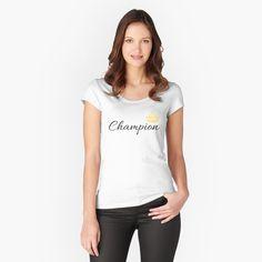 T-shirt échancré ''' 500 Italia Quadrifoglio ''' par nikkkooo Graphic T Shirts, Fashion Victim, Beste Mama, Get Schwifty, My T Shirt, Short, Outfit, Tshirt Colors, Female Models