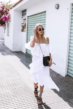Twirling around in all white, Miu Miu sandals & Chloé Drew in Antoni de Portmany, Ibiza Chic Summer Outfits, Spring Summer Fashion, Ohh Couture, Love Fashion, Fashion Outfits, Miu Miu, Street Style Looks, Ideias Fashion, White Dress