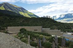 Tibet Namchabawa Visitor Centre / standardarchitecture | ArchDaily
