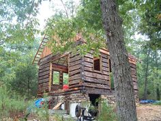A Retired Mathematician Found An 1830s Cabin In The Woods. What He Did With It Is Perfection 5 - https://www.facebook.com/diplyofficial