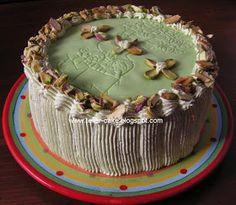 Marcipános pisztáciatorta Cake, Food, Mudpie, Meals, Yemek, Cheeseburger Paradise Pie, Cakes, Tart, Eten