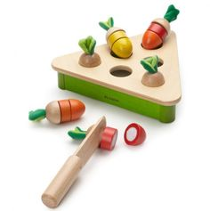 Wooden toy: cut apart vegetables with velcro
