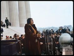 Marian Anderson at the Lincoln Memorial 1939