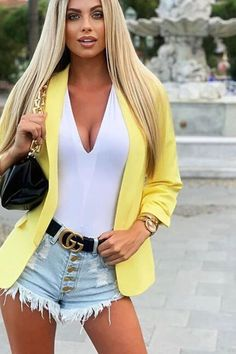 Cute Outfits For Teens has never been so Stunning! Since the beginning of the year many girls were looking for our Great guide and it is finally got released. Now It Is Time To Take Action! See how... #outfit #fashion #casualoutfit #fashiontrends Casual Street Style, Style Casual, Street Style Women, Simple Outfits, Stylish Outfits, Cute Outfits, Fashion Outfits, Teenage Outfits, Outfits For Teens