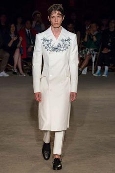 Alexander McQueen Menswear S/S 2016 London | GRAVERAVENS