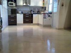 Microcemento alisado: que es y Como se aplica-informe- Cemento Portland, Kitchen Island, Kitchen Cabinets, Interior Exterior, Closets, Home Decor, Color, Cement Floors, Island Kitchen