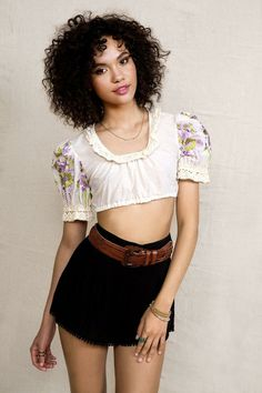 ce31cd3fb0d Vintage Violeta Embroidered Cropped Top  urbanoutfitters