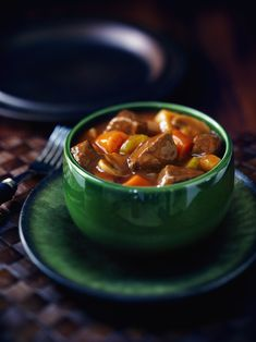 Cook with Campbells. Tomato Beef and Mushroom Stew Tomato Beef Stew, Beef And Mushroom Stew, Tomato Soup Recipes, Crockpot Recipes, Cooking Recipes, Cream Of Tomato Soup, Campbells Recipes, Food Crush, Beef Dishes