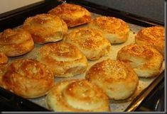 Turkish Recipes, Ethnic Recipes, Romanian Food, Romanian Recipes, Pastry And Bakery, Dough Recipe, How To Make Bread, Griddle Pan, Macaroni And Cheese