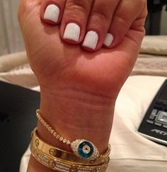 Short white nails<3 think ill do it next time :)