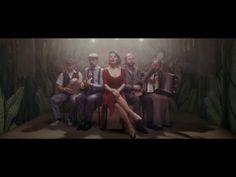 ✿ ❤ Perihan ❤ ✿ ♫ ♪ Göksel - Gittiğinde (Official Video) (söz-müzik: Göksel / (Şarkı Sözleri: Bu yol çıkmaz bu yol , Gönül vazgeçmiyor,  Dur diyor içimde bir ses,  Peşinde diğer yarım,Susmasan olmaz mı anlatsan bir kere,  Önümde kilitli kapılar anahtarları sende,  Gitmesen olmaz mı en azından bir gece,  İçimde bir kara orman yanıyor gittiğinde, Aah gittiğinde, gittiğinde, Bulanık sularında,  Takıldım ağlarına,  Yüz diyor içimde bir ses,  Yetmiyor kulaçlarım.)